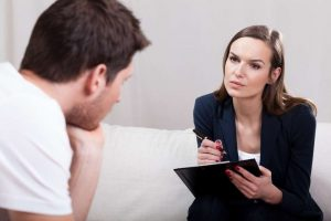 مقال موجه للمريضات اللاتي يتخوفن من الوقوع في غرام أطبائهن النفسيين