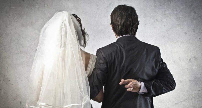 61ed0f65a7b1c الخيانة الزوجية..إيه اللي ممكن يدفع شخص لأنه يخون شريك حياته ...